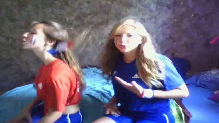 JO2012 coline et kelyane rohart les filles de xavier encouragent toute