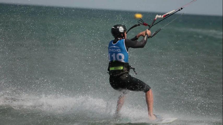 Dans la Grande Famille de la voile, je voudrais : Le Kite Freestyle !