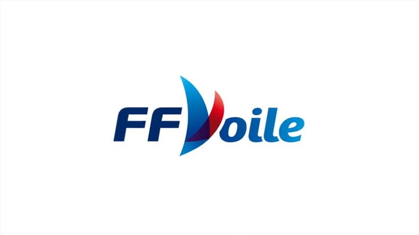Entraînement en Moth à foil au Pôle France de voile de Port La Fo