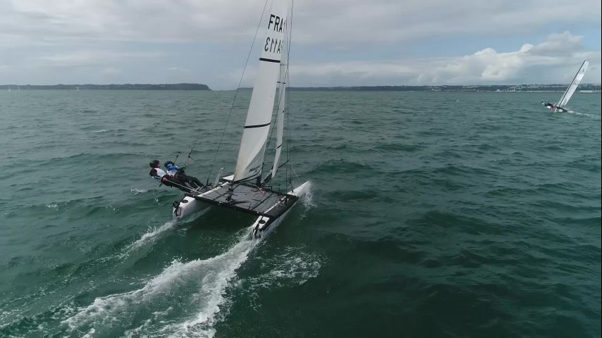 Titouan Pétard et Marion Declef au presque-parfait à Brest en Nacra 15
